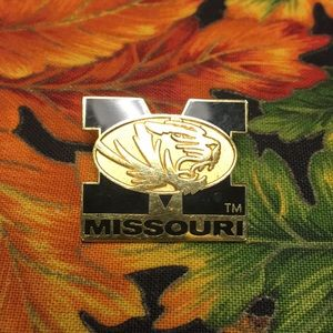 🛑3/$10 Missouri Tiger Pin